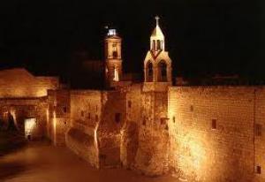 قبل اﻷحتفال بعيد الميلاد 100 قس وراهب في كنيسة المهد يتبادلون اللكمات