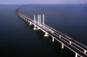 الصين: افتتاح أطول جسر في العالم
